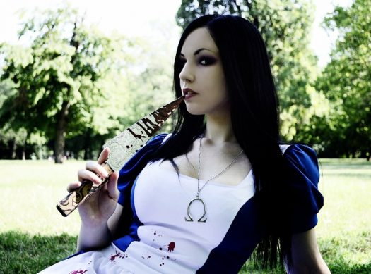 alice__madness_returns_cosplay_by_ryltha-d5d7dws
