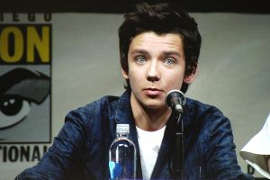 2013-07-18-enders_game_asa_butterfield_01