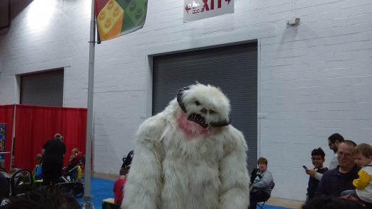 A friendly Wampa taking pictures with children? Gotta love it.