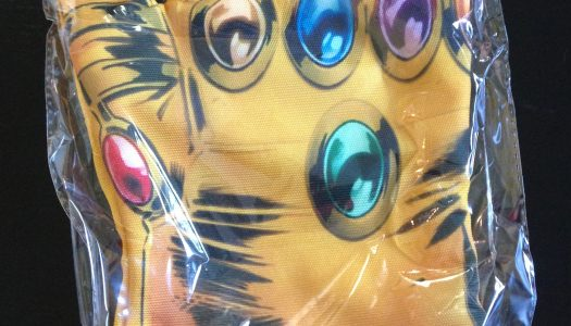Loot Crate Power Collection Includes Infinity Gauntlet Oven Mitt, Warcraft, Dragon Ball Z, and More